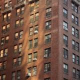 кирпич - один из самых популярных строительных материалов NY и количество этажей на это никак не влияет