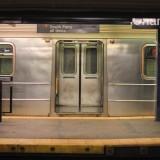 местный метрополитен - сабвей - не носит никакой истетической ценности и представляет собой чисто утилитарный объект
