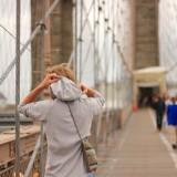 с него видны небоскребы Манхеттена и дельта Гудзона, совсем немного Бруклина, Манхеттенский мост и даже мааааленькую статую Свободы вдалеке