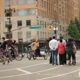 на Манхеттене велорикша частое явление, здесь индусов может прокатить обычный американец, цена вопроса 3 доллара минута